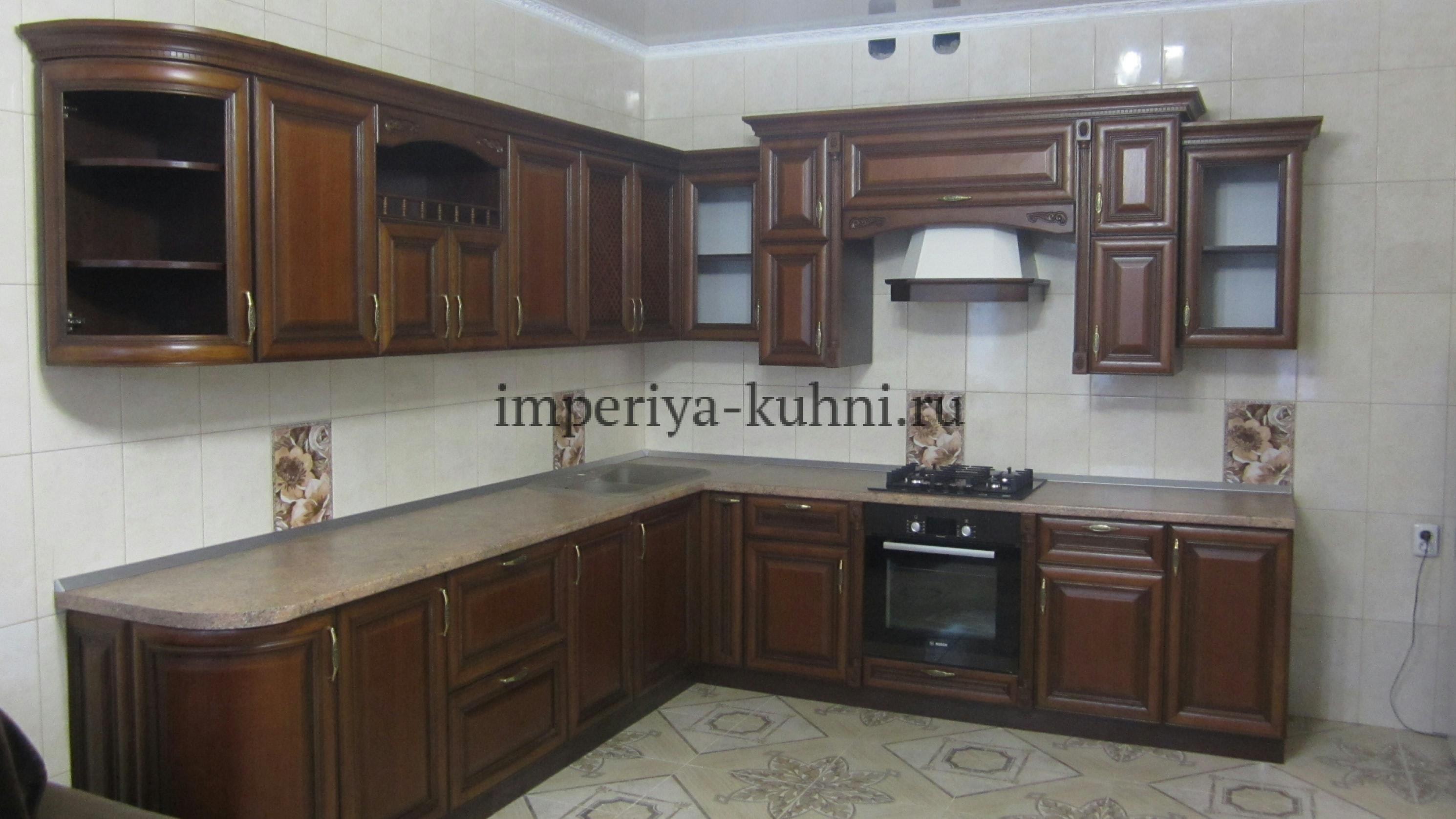 Фото кухни из массива ольхи. Модель-Татьяна II. Цвет-Капучино.